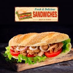 Bresaola Sandwich med mozzarella, bresaola, rucola, friske tomater, pesto og parmesan (Nr. 32)