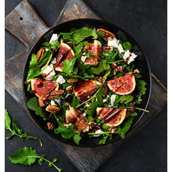 Italian Salat med skinke, mozzarella, friske tomater, basilikum og oliven