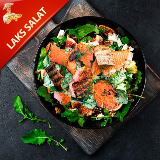 Lakse Salat med salat, rødløg og cherry tomater